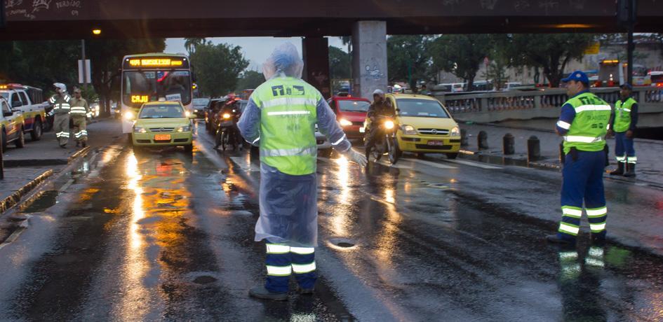Agentes de Trânsito atuam para passagem do Papa Francisco