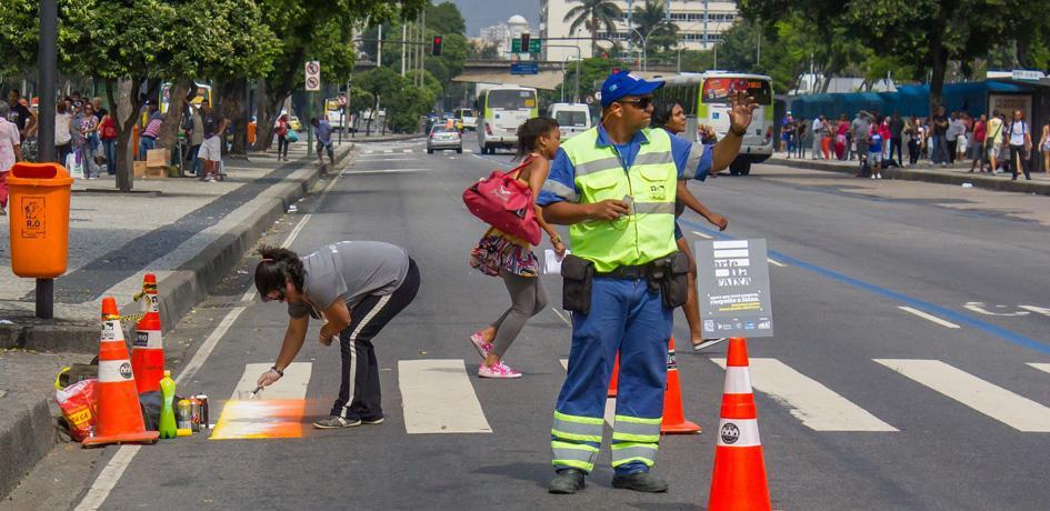 Arte na faixa: Concessionária Porto Novo apoia campanha de segurança